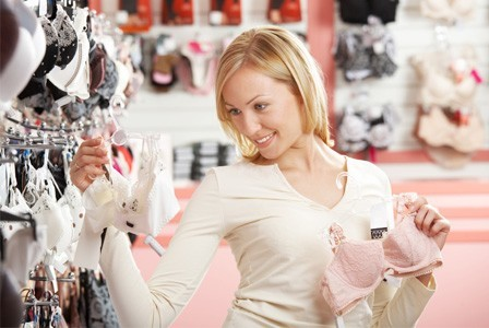 choosing right bra for your outfit
