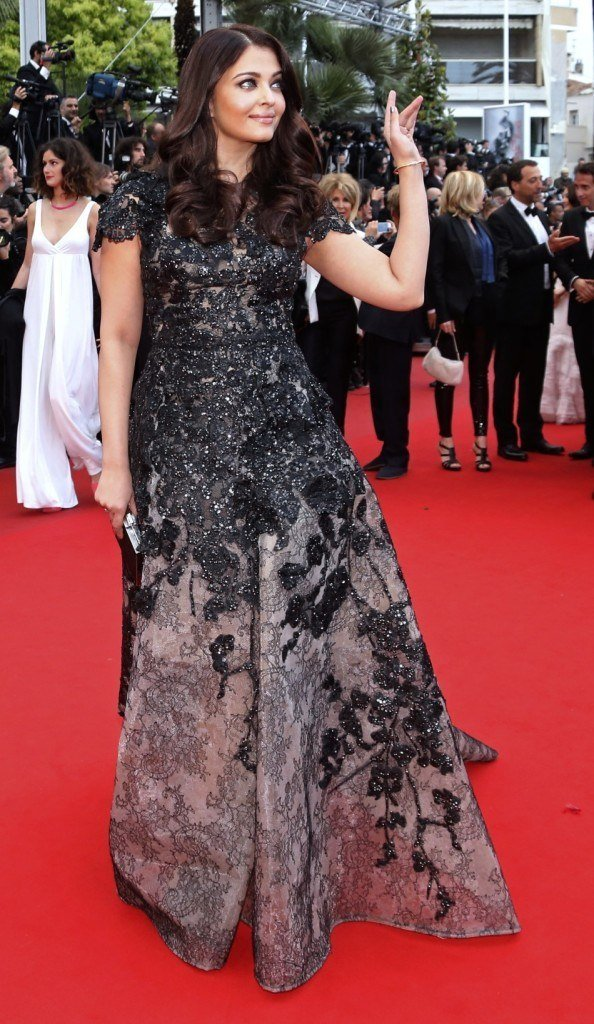 Aishwarya Rai outshines herself at Cannes 2014