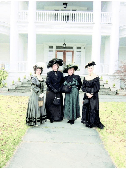 Historic Clothing for womens