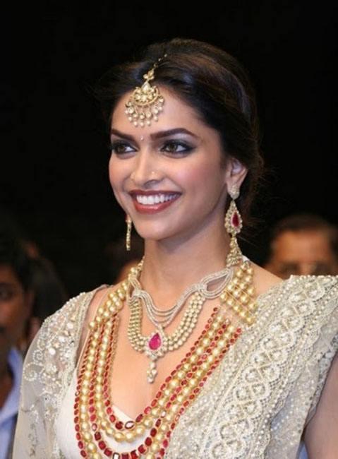 Deepika Padukone farah alikhan jewelry designer collections