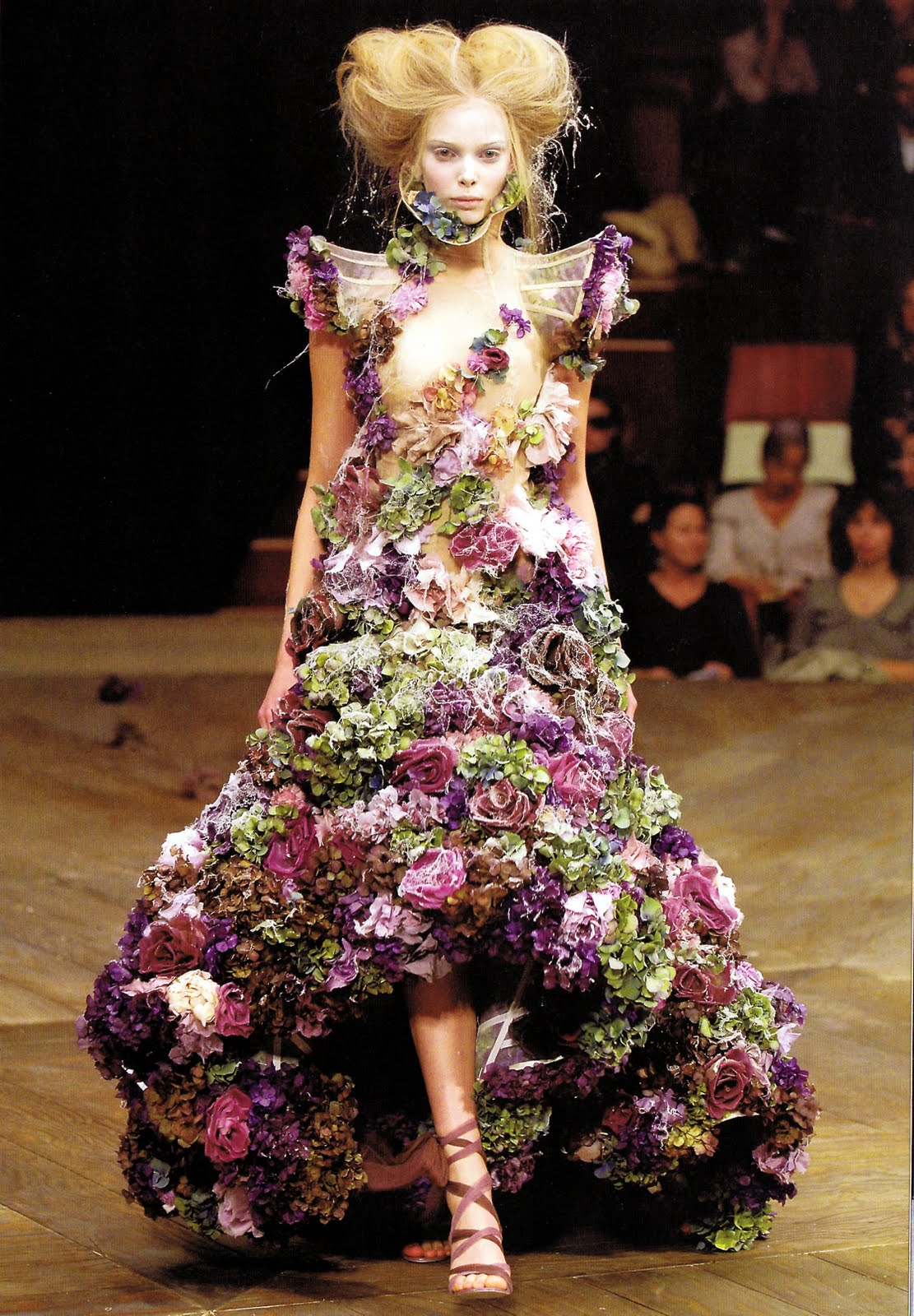 Dresses made up of real flowers you didn t know