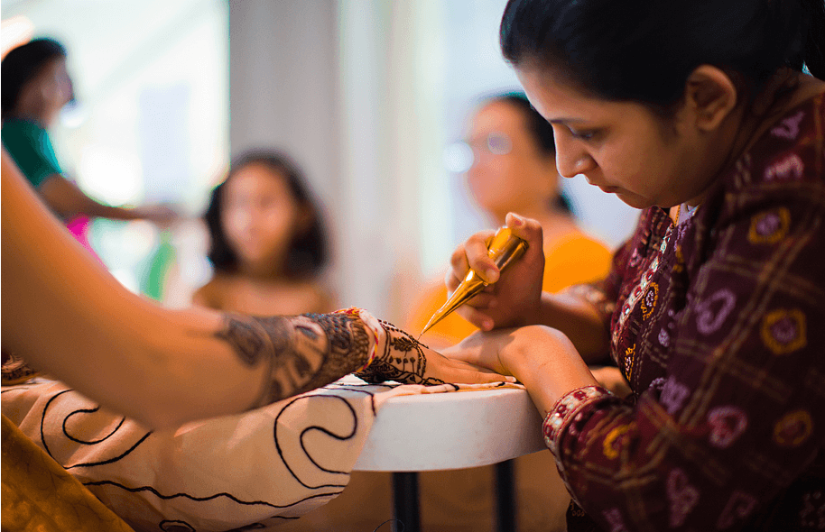 Mehndi Ceremony : Significance of mehndi in indian weddings