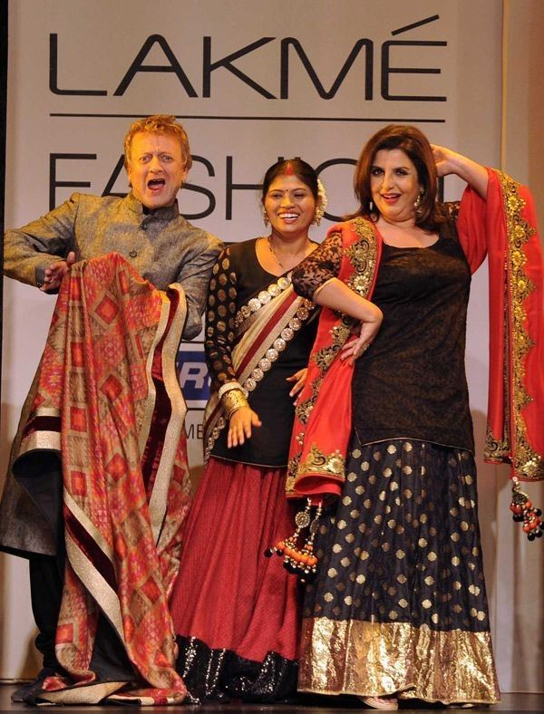Rohit Bal and Farah Khan flaunt creations by designer Vikram Phadnis