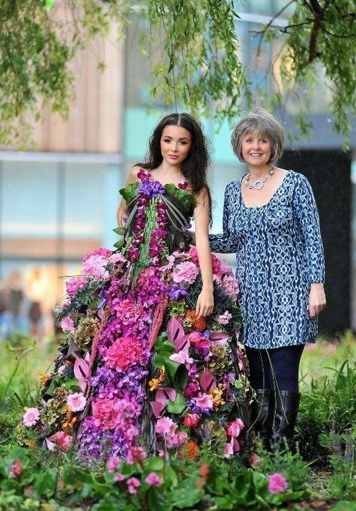 interflora-real-flower-dress
