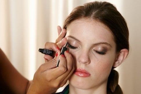 how to get cat eye makeup