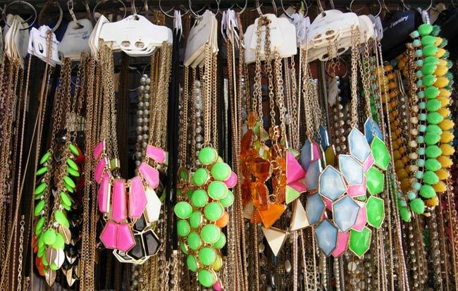 Street Shopping In Mumbai An Ultimate Shopping Destination