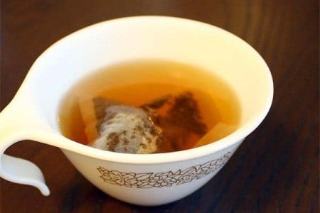 Black tea sunburn relief
