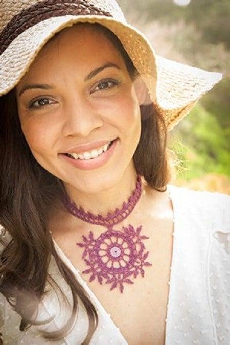 Mehndi Halskette: Mehndi-inspirierte Häkelzubehör