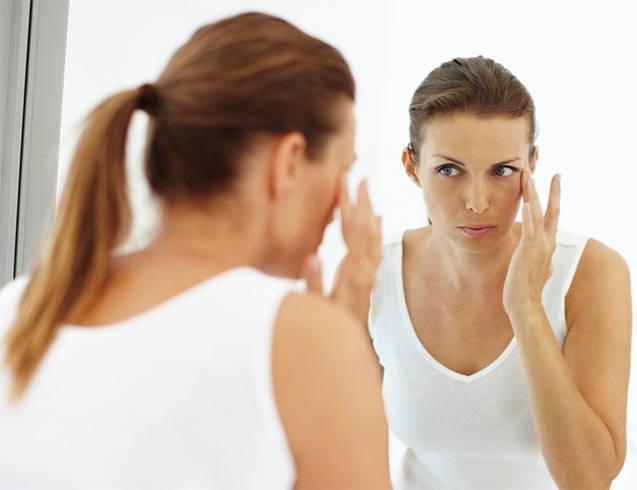 Eye cream for sleep-derived mom