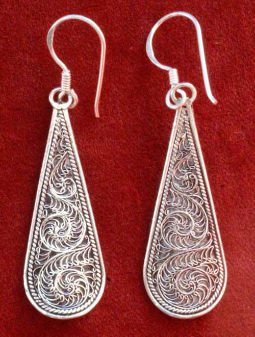 tarakasi filigree earring