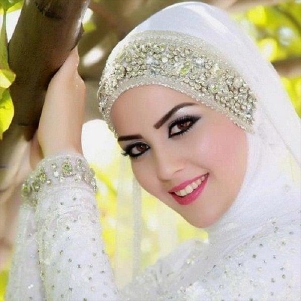 Muslim Beautiful Bridal Makeup : The Hijab Fashion: The Demure Nature of Islamic Clothing
