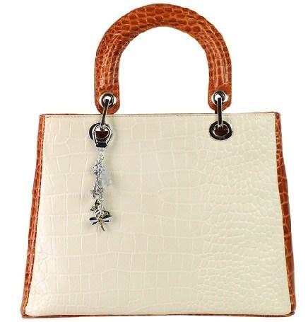 B551  adamis Handbags