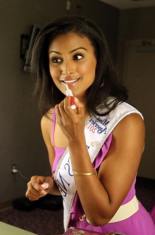 Nina Davuluri Miss America Makeup Tips