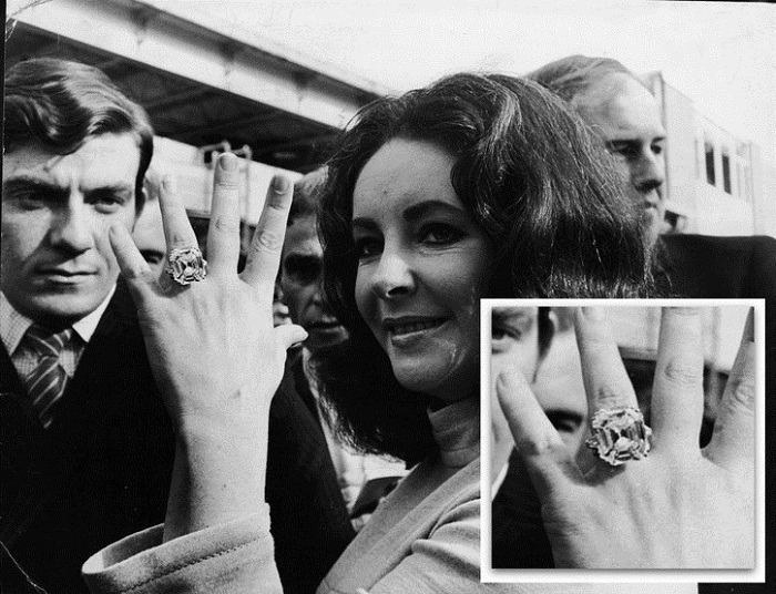 elizabeth taylor diamond rings