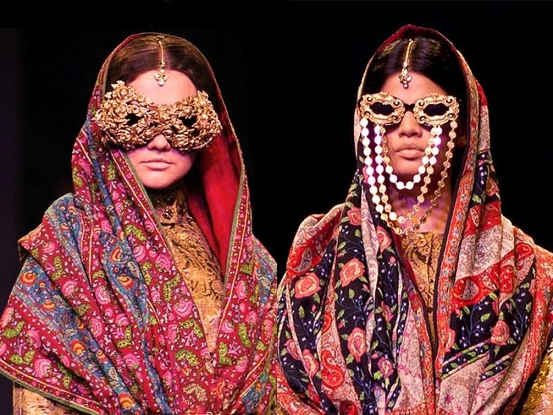 JJ-Valaya-Wills-India-Fashion-Womaniya-Bride