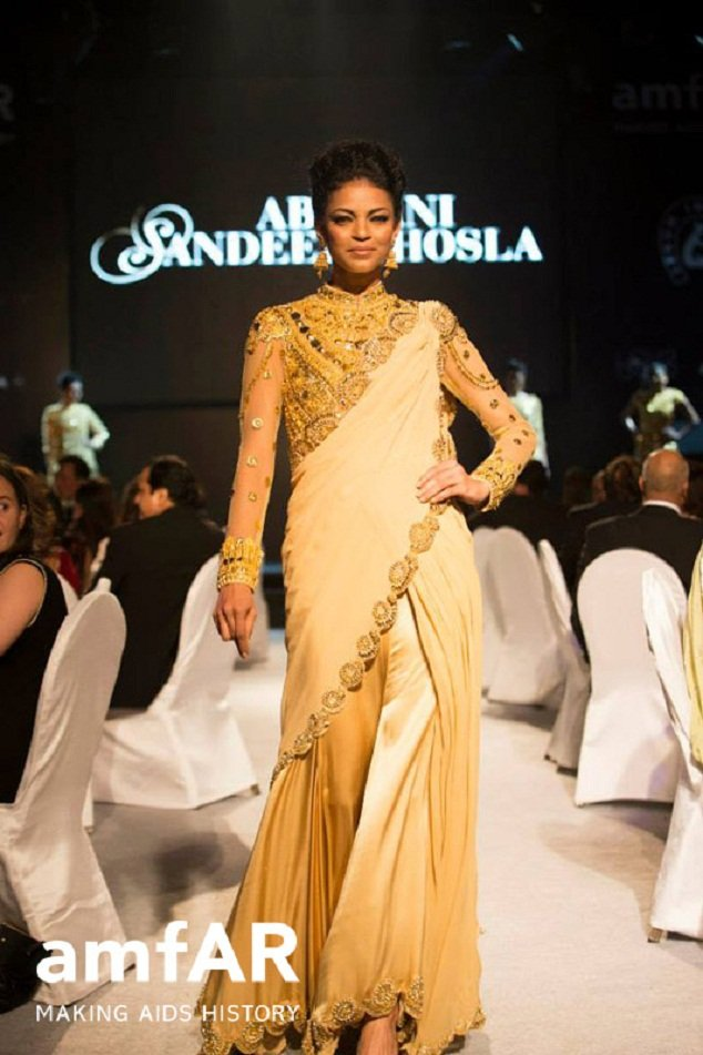 Nayanika Chatterjee in Abu Jani Sandeep Khosla at Gold Fashion Show