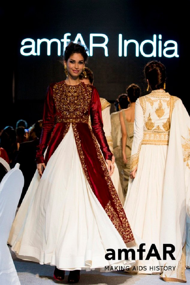 Rohit Bal design with Azva jewelry at Gold Fashion Show