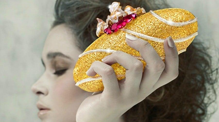 bina-goenka-gold-clutch-purse