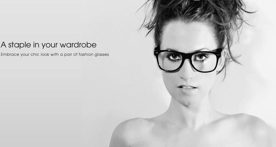 Frauen in Gläsern: wunderschön aussehen konnte nicht einfacher