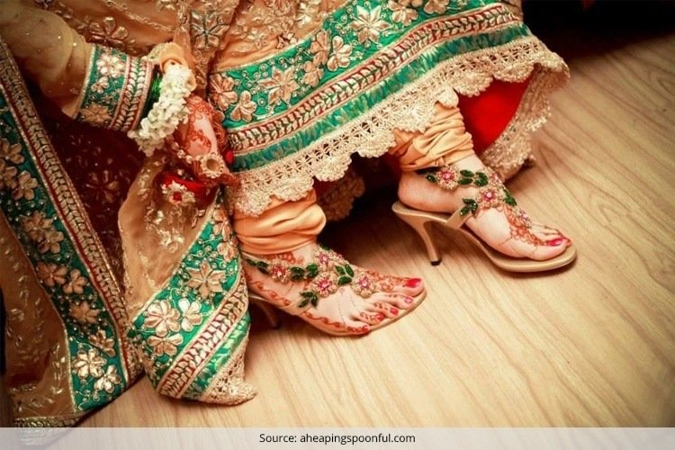 e6a7b5615f2 Tips To Help Indian Bride Buy Her Wedding Shoes .