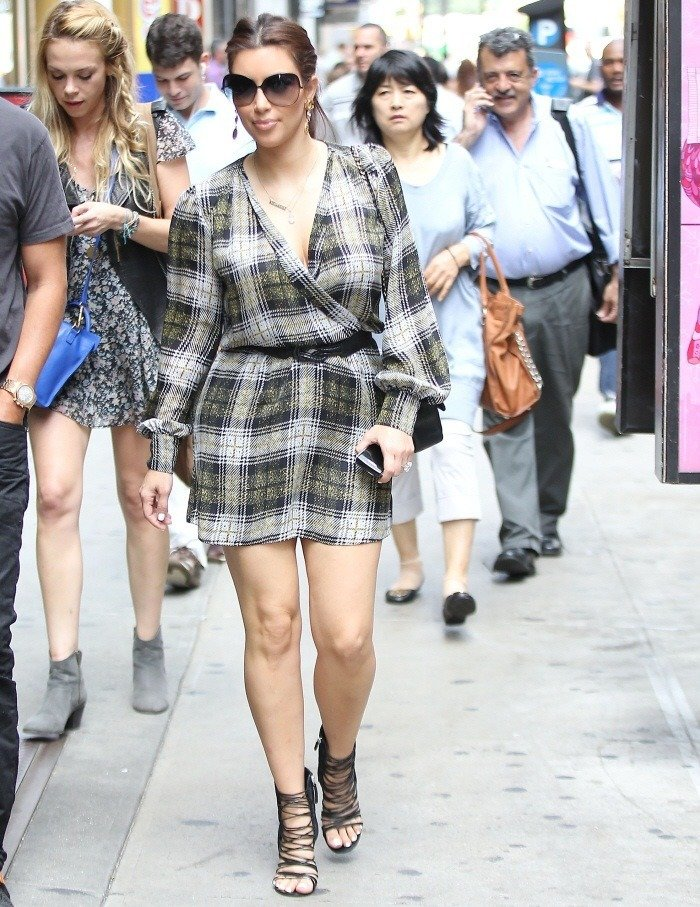 kim-kardashian-in-flannel