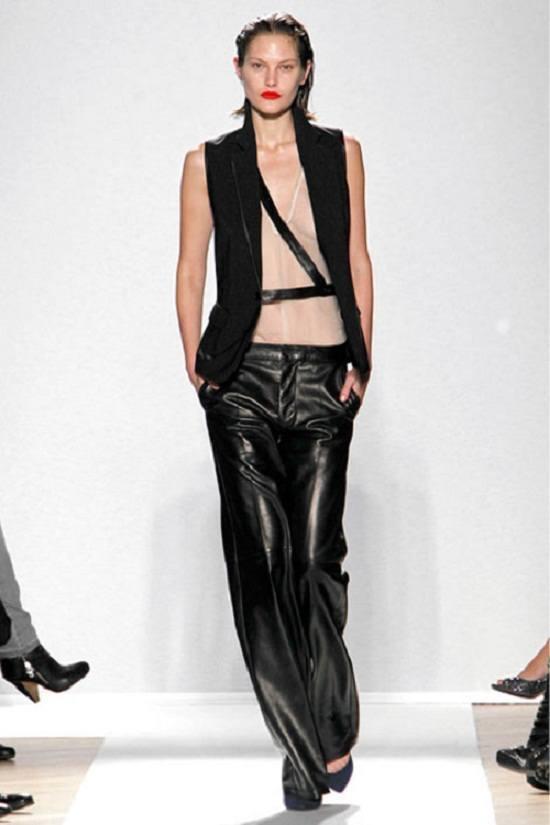Leather Pants Making A Stylish Comeback