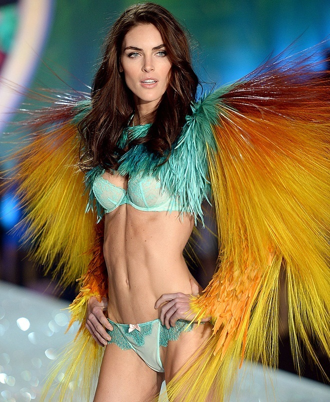 Hilary-Rhoda-at-2013-Victoria's-Secret-Fashion-Show