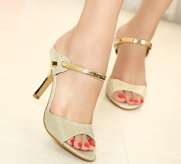 glam-up-your-boring-outfit-with-golden-heels