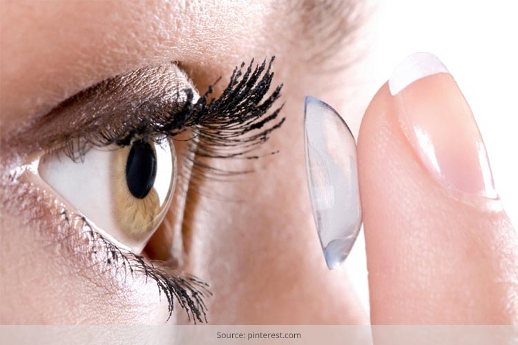 How to Protect Your Contacts Lenses