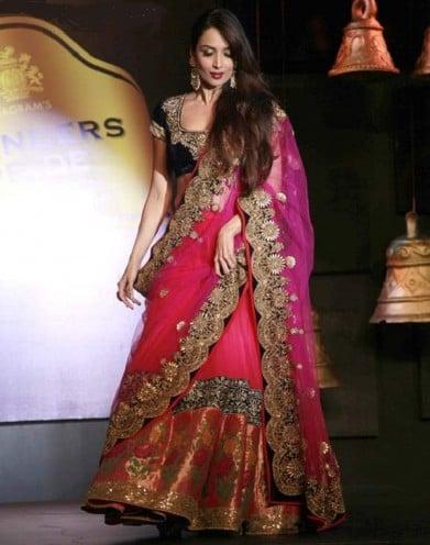 Malaika Arora Khan walk for Vikram Phadnis at Blenders Pride