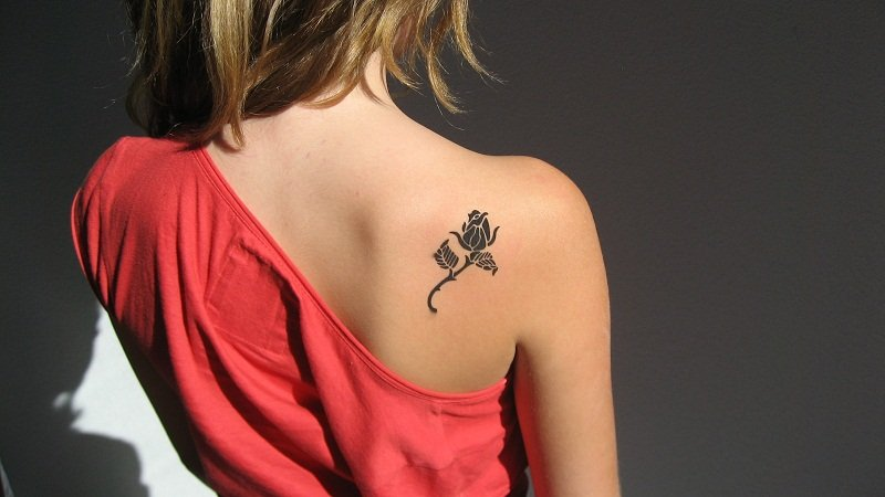Rose tattoos for womens