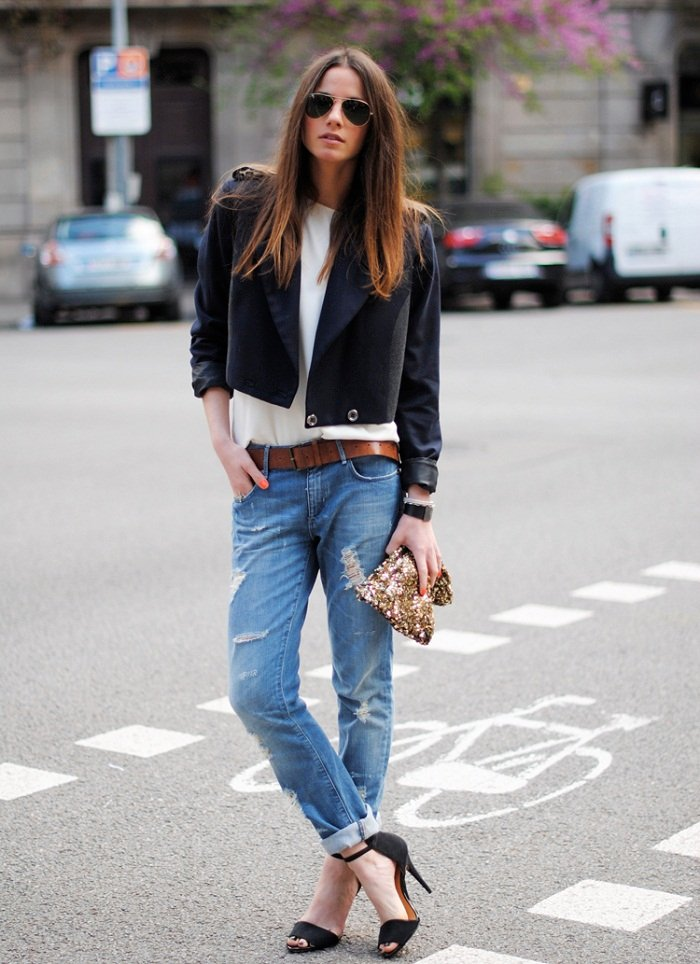 black-blazer-with-boyfriend-jeans