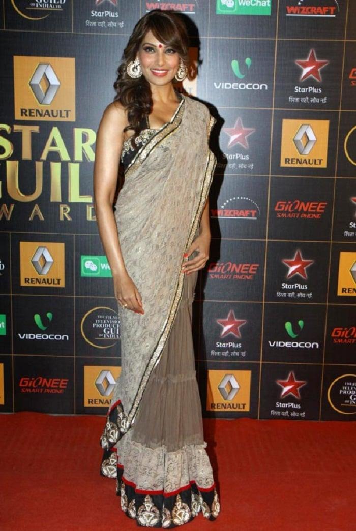 bipasha-basu-star-guild-awards-2014