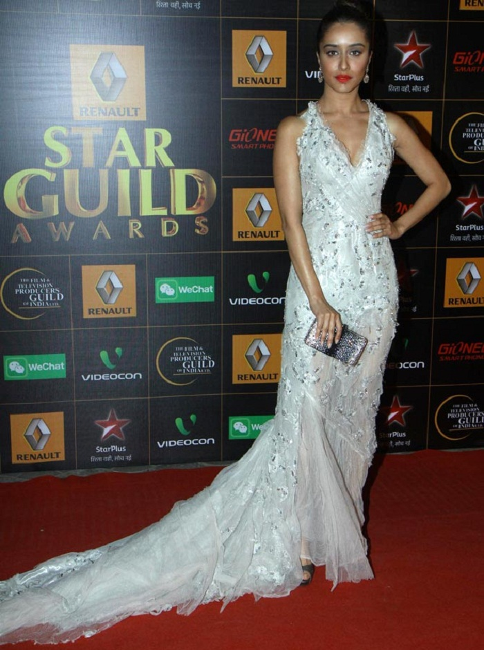 sraddha-akpoor-star-guild-awards-2014