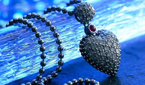 beauty-necklace-hd-wallpaper