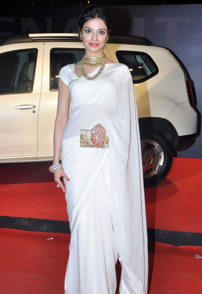 divya-khosla-Renault-Star-Guild-Award-2014