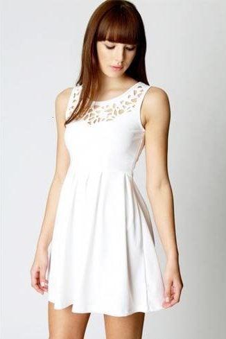 Short Dresses for Broad Shoulder Women
