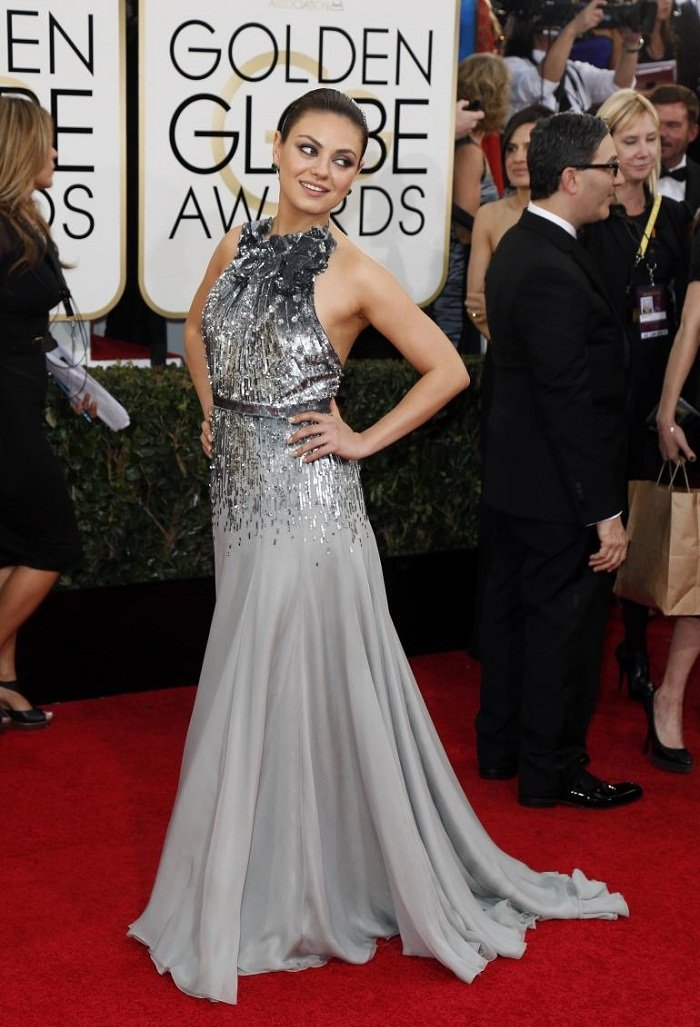 mila-kunis-golden-globes-2014-red-carpet