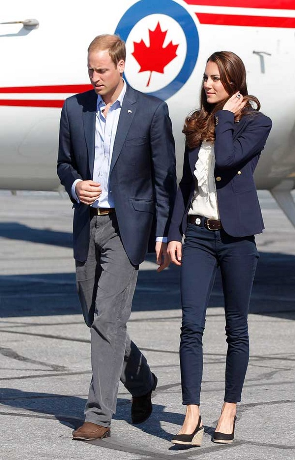 kate middleton Smythe blazer Canada flight outfit