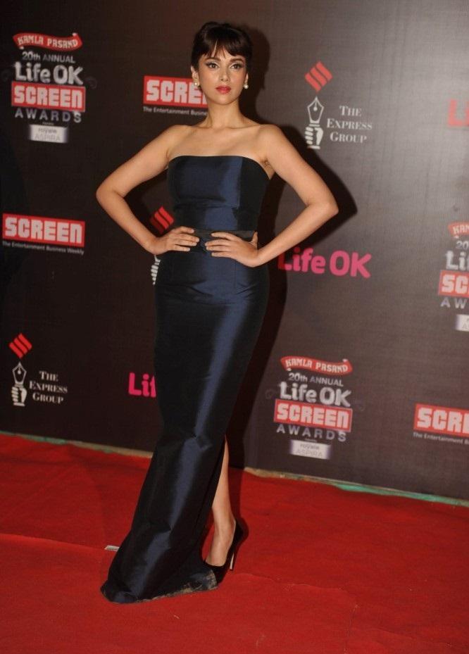 Aditi-Rao-Hydari-20th-Annual-Life-OK-Screen-Awards-in-Mumbai