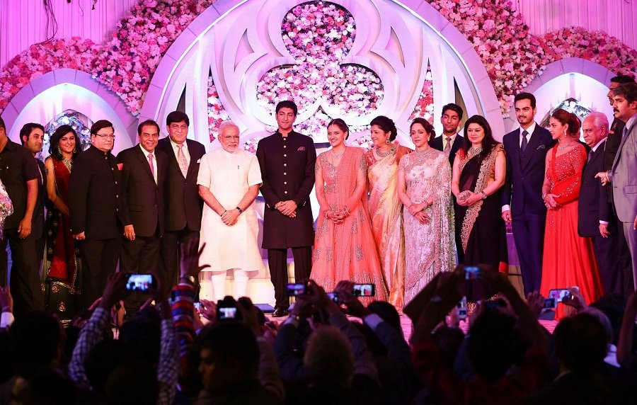 narendra-modi-Ahana-Wedding-Reception
