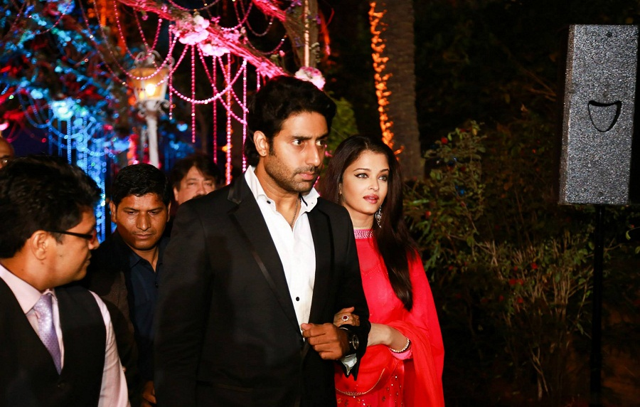 Aish-Abhi-ahana-deol-reception