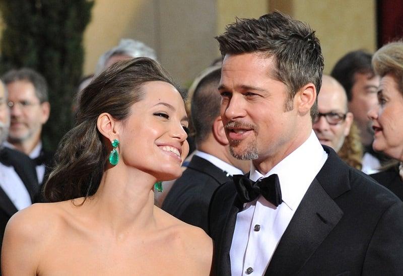 Angelina-Jolie-earrings-2009-Academy