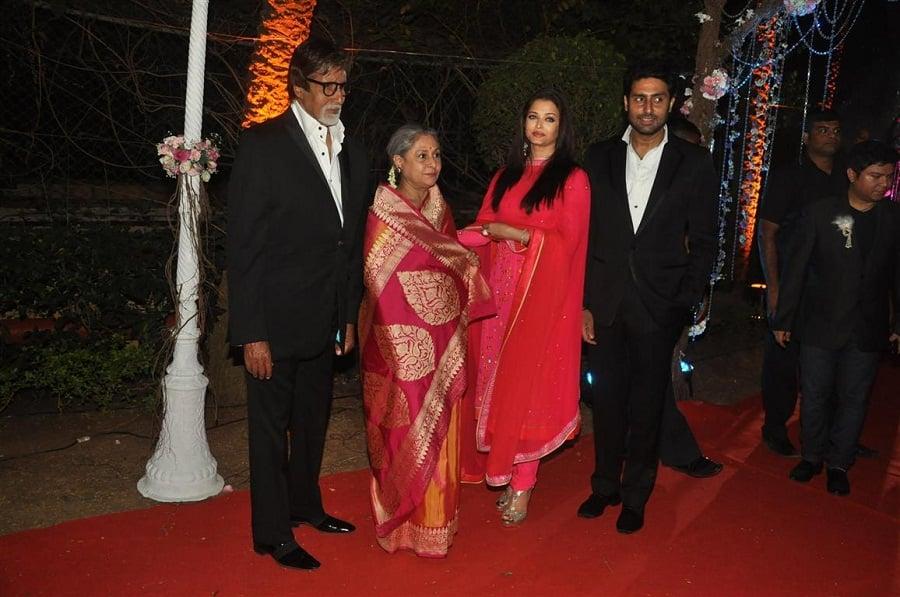 bachchan-family-at-ahana-deol-wedding-pic1