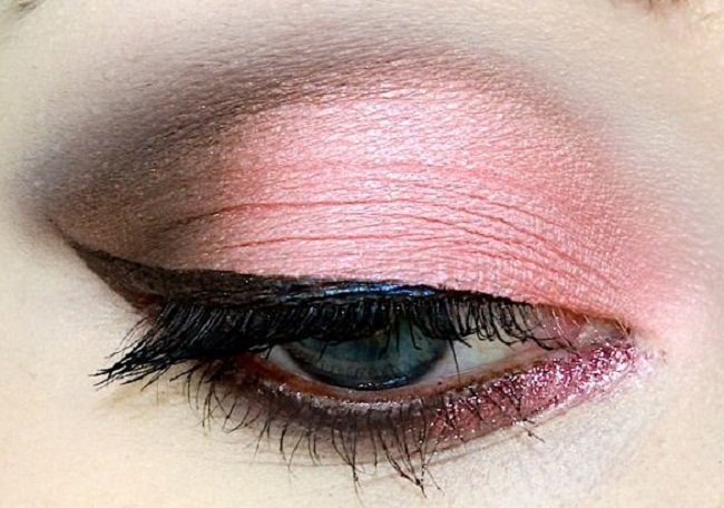 flamingo-pink-eye-makeup