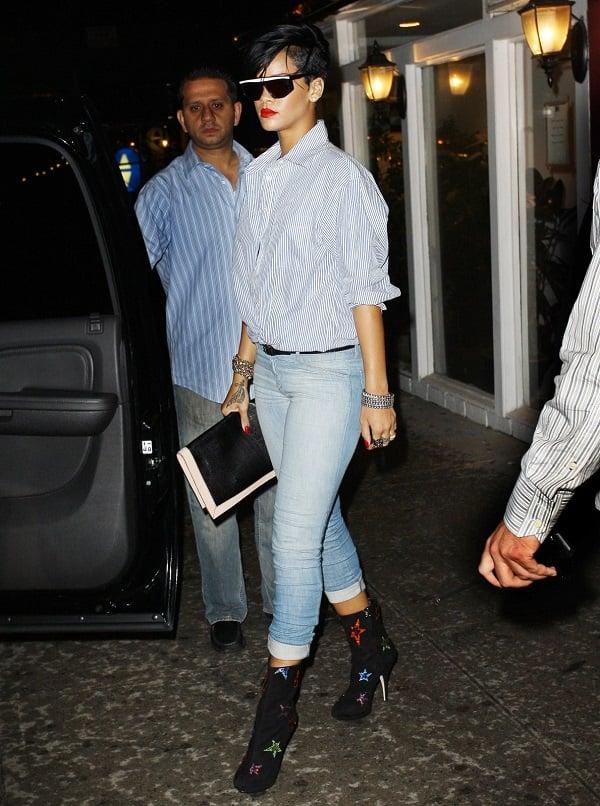 Rihanna Bags Cfda Fashion Icon Award See Who Is The Man