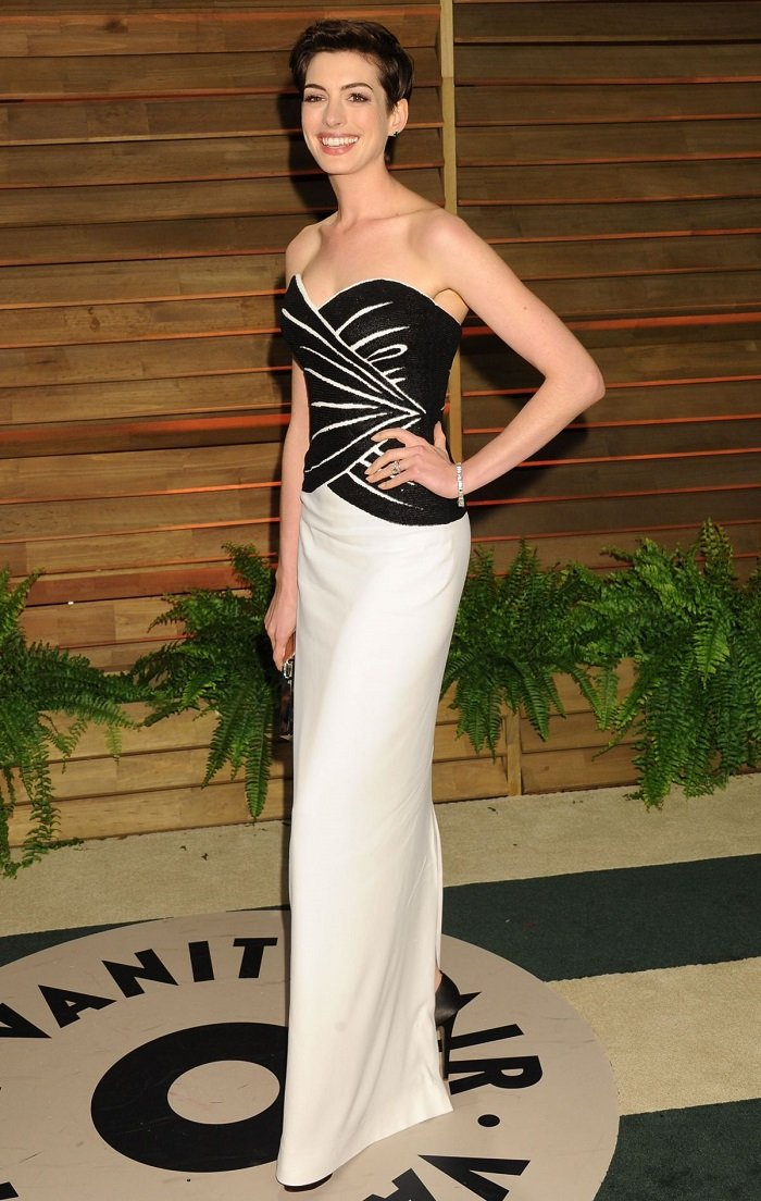 anne-hathaway-at-vanity-fair-oscar-party-2014