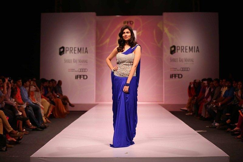 Premia-India-Runway-Vanya-Mishra-Miss India-2012-showstopper-for-Aashna-&-Vikrant