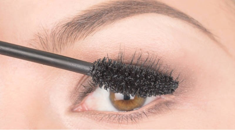 elle-baby-powder-mascara-slide-4-xln
