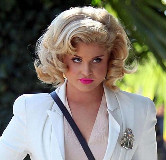 kelly-osbourne-channels-marilyn-monroe-hairstyle